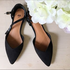 H&M Suede pointed black flats